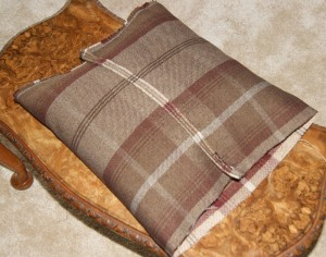 Tartan cushion step 11
