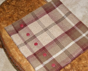 Tartan cushion step12