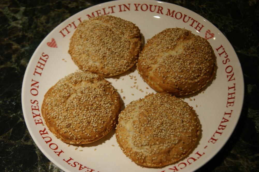 gluten-free-sesame-rolls