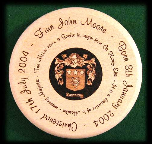 Coat of arms stool 01
